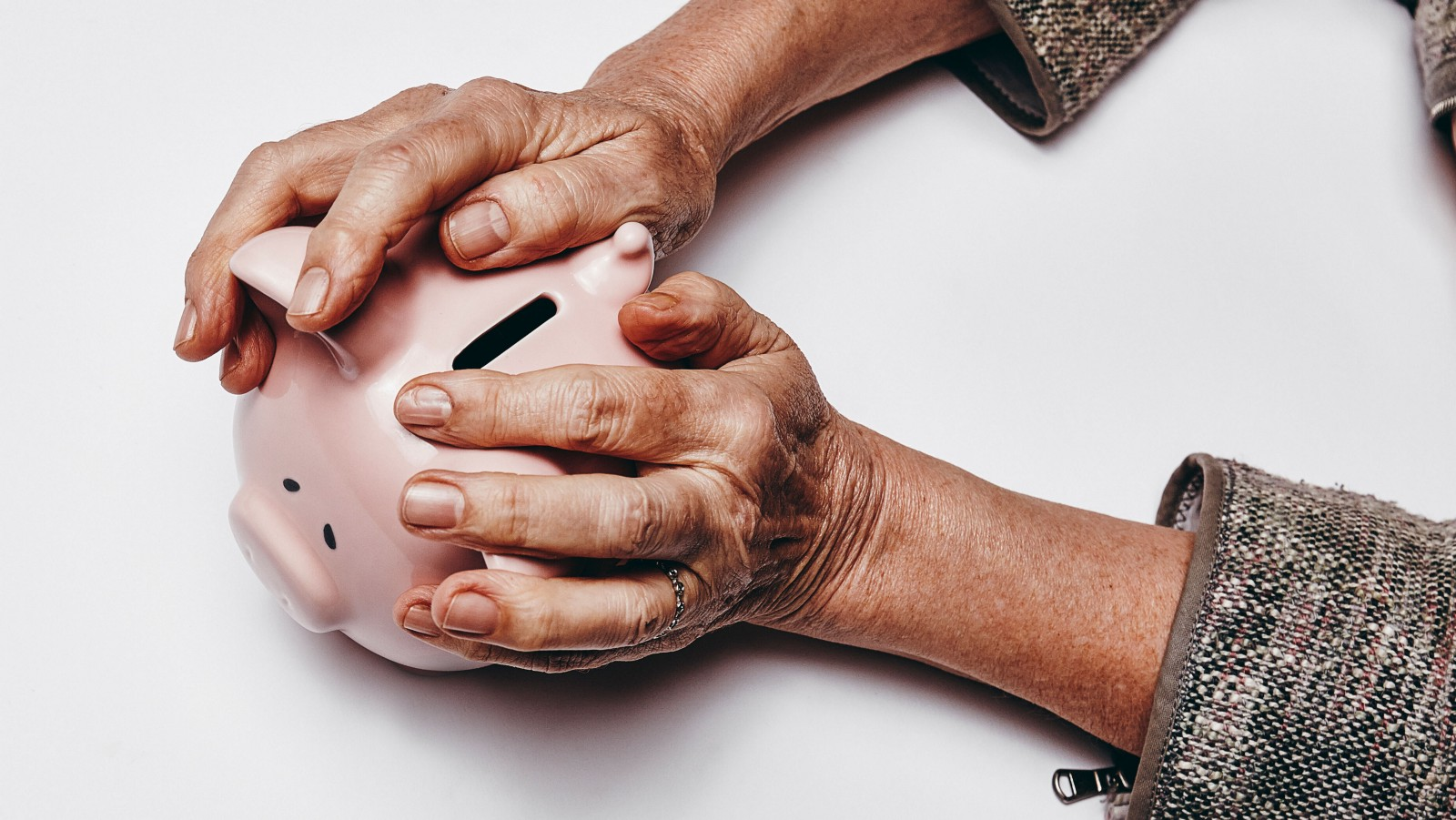 Criminals Steal $37 Billion a Year From Americas Elderly